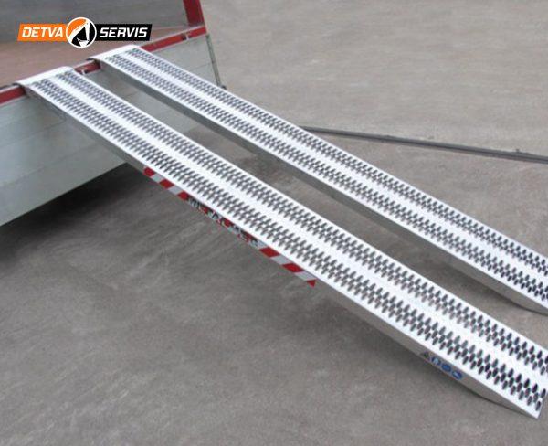 Hliníková nájazdová rampa M060B3 | DETVA servis s.r.o.